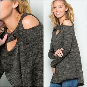 Cut Out Cold Shoulder Flowy Tunic S